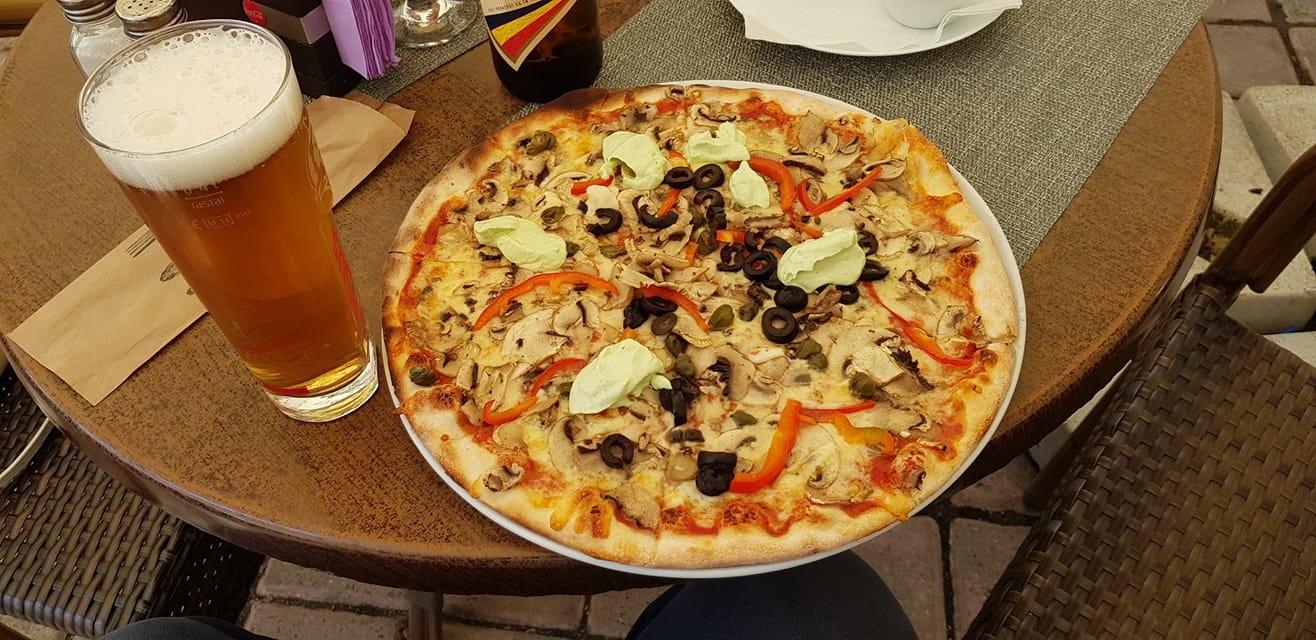 De ce ne place pizza atat de mult Pizza Roma Brasov